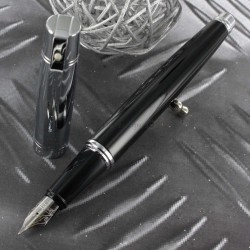 "Stylo Plume Sheaffer® ""Series 300"" Laque Noire & Chrome"